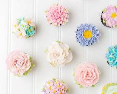 flower decorated cupcakes for kids party